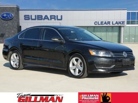 Pre-Owned 2012 Volkswagen Passat SE w/Sunroof LEATHER INTERIOR