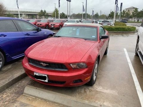 Pre-Owned 2011 Ford Mustang V6 CONVERTIBLE