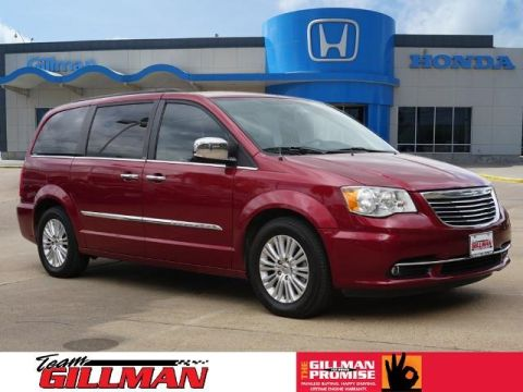 Pre-Owned 2013 Chrysler Town & Country Touring-L With Navigation