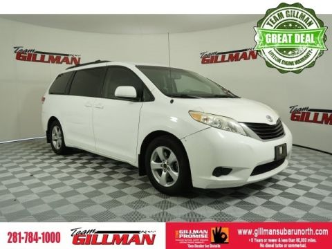 Pre-Owned 2011 Toyota Sienna Base FWD 4D Passenger Van
